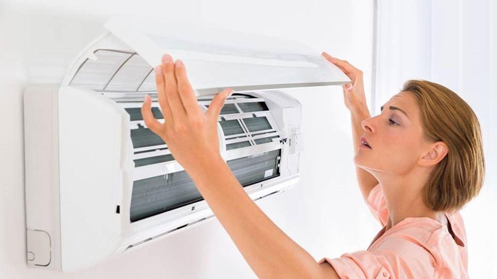 Cara Membersihkan AC Biar Dingin Seperti Semula