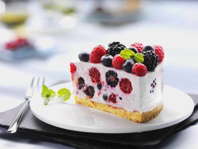 Ini Nih, Cara Membuat Cake Fruit yang Manis dan Enak