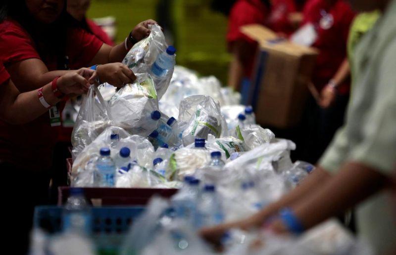 contoh daur ulang sampah plastik