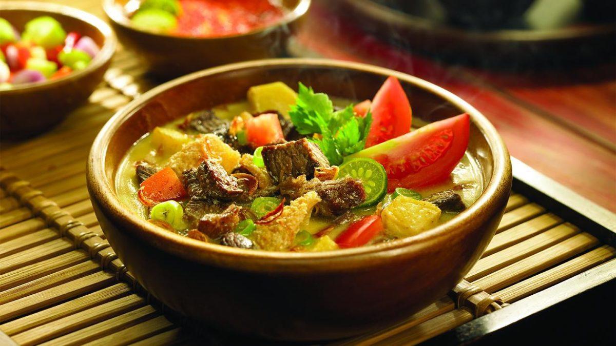 Membuat Resep Soto Daging Yang Enak, Hangat Dan Kaya Gizi